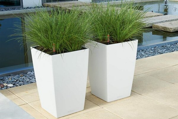 Outdoor garden troughs